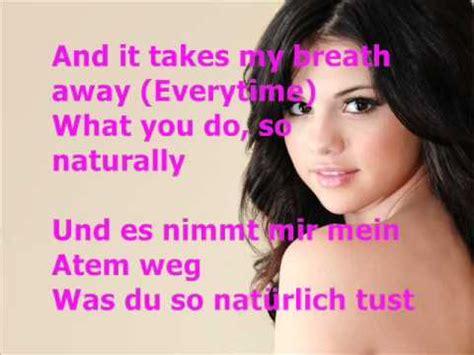 Selena Gomez   Naturally mit Lyrics + Deutsche Übersetzung ...