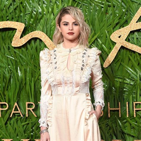 Selena Gomez: noticias de moda en fashion.hola.com