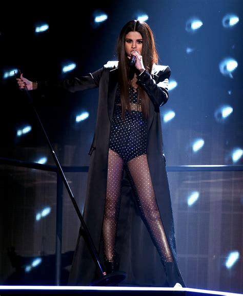 SELENA GOMEZ Performs at American Music Awards 2015 11/22 ...