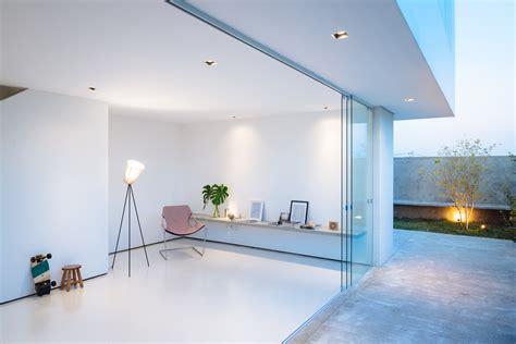 Sencilla casa de dos pisos con planos y diseño de ...