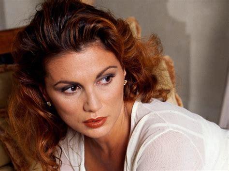 Serena Grandi: da icona sexy degli anni '80 a protagonista ...