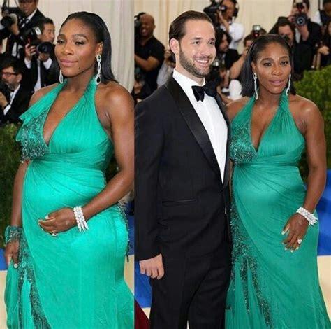 Serena muestra su avanzado estado de gestación en la Gala MET