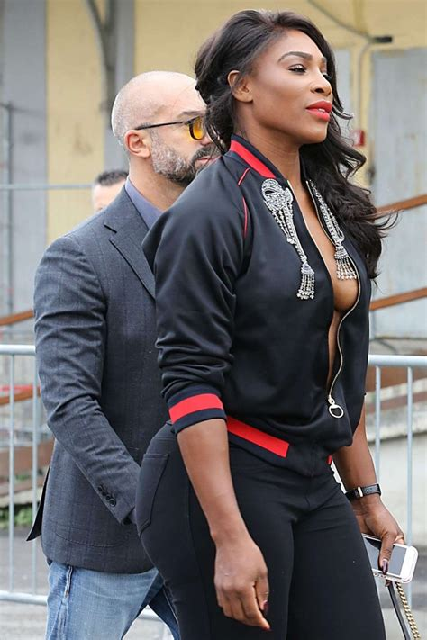 Serena Williams Braless (6 Photos) | #TheFappening