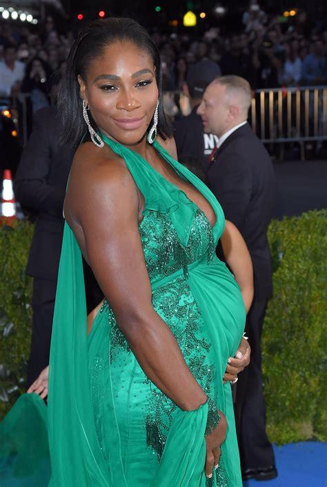 Serena Williams desnuda su embarazo en Vanity Fair