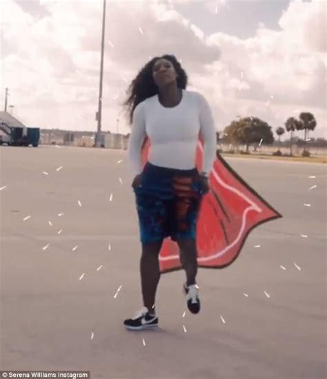 Serena Williams plays Wonder Woman as she dances on tarmac ...