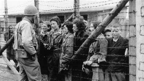 Sevilla aprueba homenajear a  sus  deportados a los campos ...