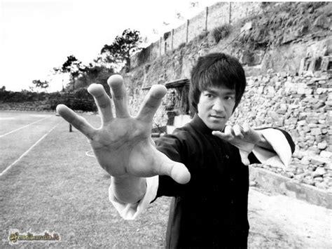 SfondiLandia.it | Sfondo gratis di Bruce Lee per desktop ...