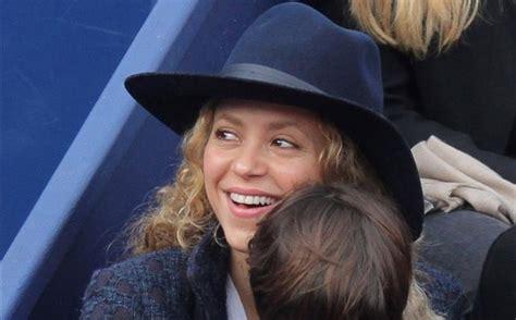 Shakira desvela como vive Piqué sus últimas polémicas