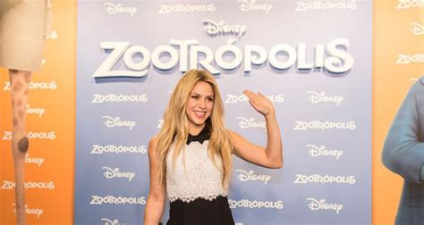 """Shakira Flaunts Pink Hair in """"Cantaje"""" Music Video with ..."""