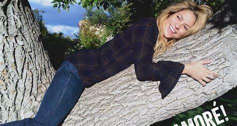 Shakira: 'Me Enamoré' – Stream, Lyrics, & Download ...