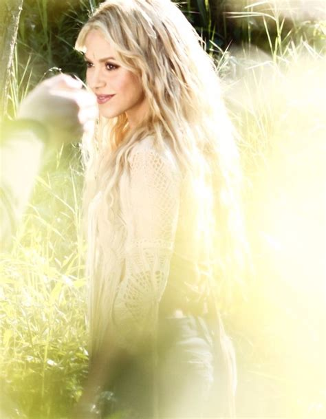 Shakira Teases  Me Enamoré  Music Video With  Khaleesi ...
