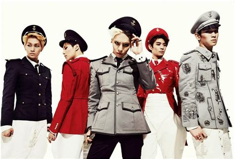 SHINee – Everybody | Playlistology