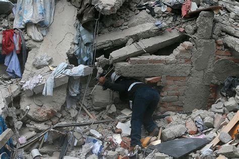 Shocking Images of Earthquake Coming Out of Mexico