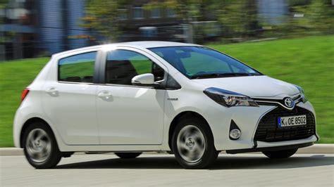 Сhoza acogedora personales: Toyota yaris km 0 valencia