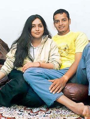 Shweta And India Cricketer Murali Karthik Marriage Photos
