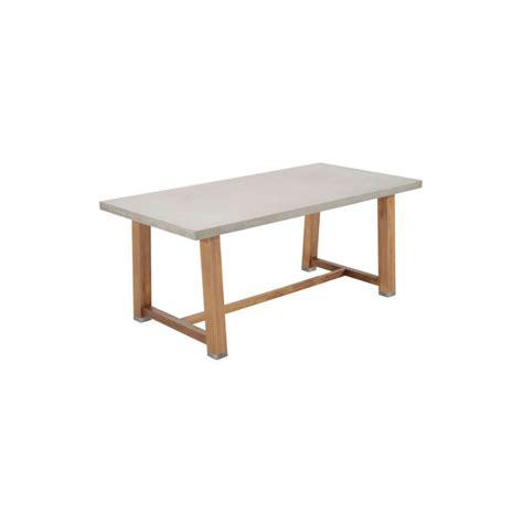Sillas y mesas de exterior para copiar