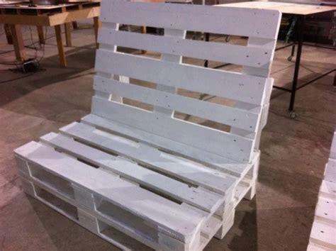 Sillon palets con respaldo innomaq. Gama de muebles creada ...