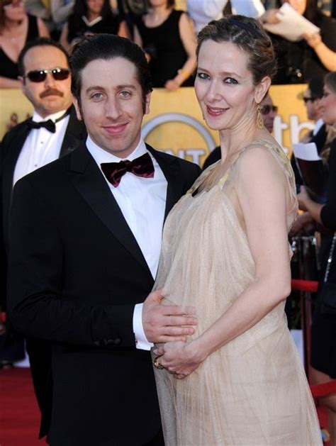 Simon Helberg Is A Dad! | Celeb Baby Laundry