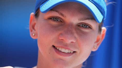 Simona Halep disminuyó sus  pechos  para jugar mejor   El ...
