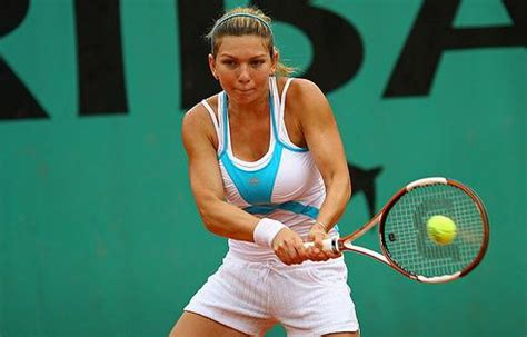 Simona Halep Sets Date To Have Breast Reduction | Total ...