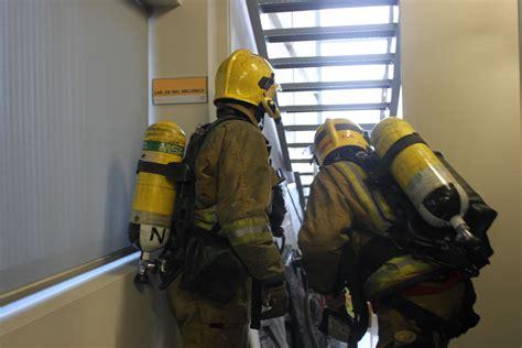 Simulacro de incendio en el edificio Innova del campus de ...