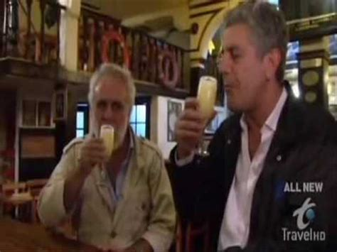 Sin Reservas con Anthony Bourdain  Pisco Sour Chileno ...