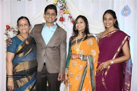 Singer Dinkar And Jhansi Wedding Photos