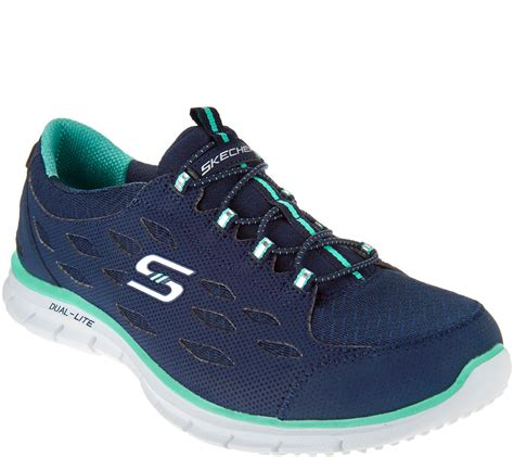 Skechers shoes: through the sporting zone to the street ...