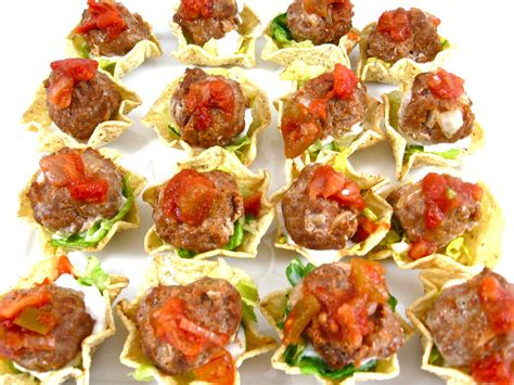 Skinny, Mini Mexican Meatball Tostada Appetizers | Mexican ...