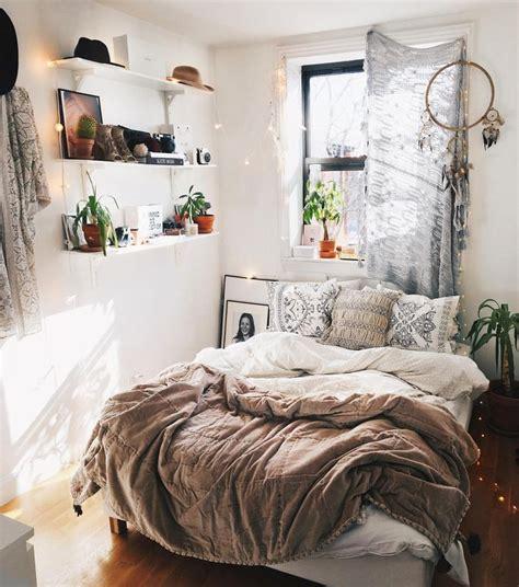 Small Room Ideas Best 25 Small Bedrooms Ideas On Pinterest ...