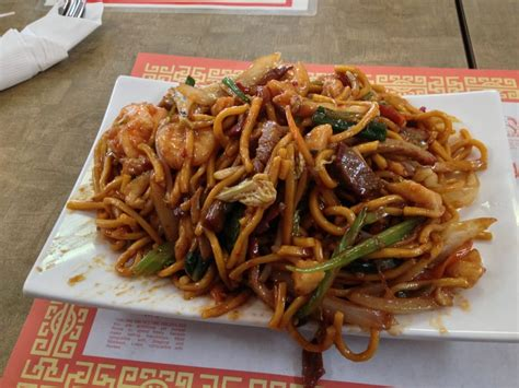 Small size house special lo mein medium spicy, $5 - Yelp