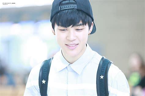 Smile   angst collegeau bts yoonseok jhope suga taehyung ...