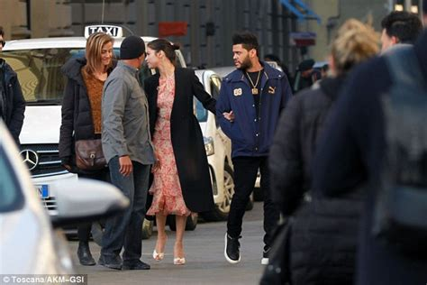 Smitten Selena Gomez and The Weeknd's Italian vacation ...