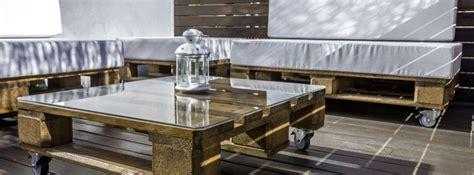 Sofá de palets para tu terraza o jardín - canalHOGAR