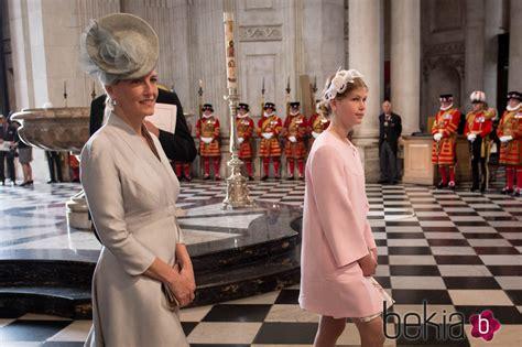 Sofia de Wessex y Lady Louise Windsor en la misa por los ...
