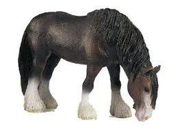 Solar pets: retired schleich horses