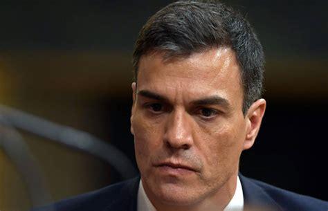 Spain news LIVE: Socialist Sanchez sworn in as Rajoy AXED ...