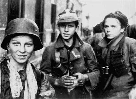 SS franceses : los ultimos defensores de Hitler. - Taringa!