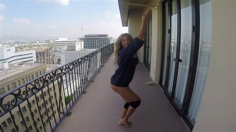 Смотреть онлайн клип Beyonce - 7-11