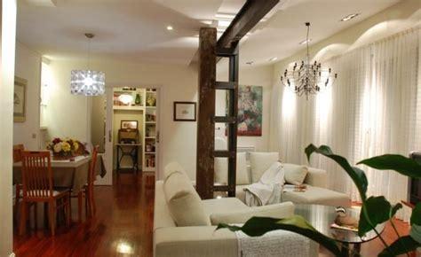 Интерьер маленькой квартиры может быть удобным и стильным ...