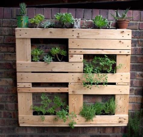 ไอเดียไม้พาเลทเก่า ทำสวนผักกินได้ในสวนหลังบ้าน – บ้าน ...
