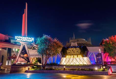 Star Wars Awakens at Disneyland Tips   Disney Tourist Blog