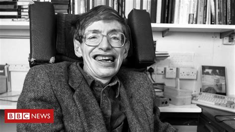 Stephen Hawking: A life in pictures   BBC News