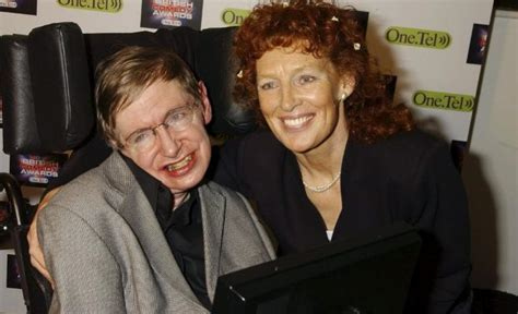 Stephen Hawking, maltratado por su segunda esposa ...