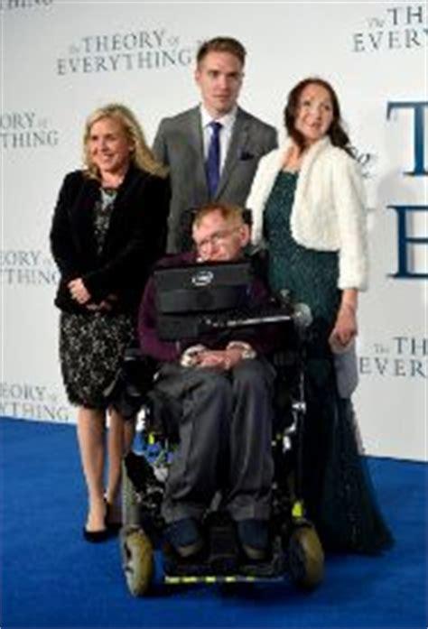Stephen Hawking se reconcilia con su primera esposa ante ...