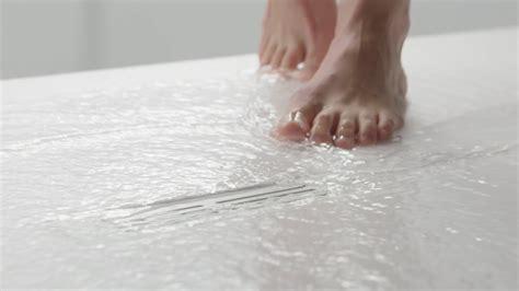 STONEX® - Platos de ducha | Roca (Versión español) - YouTube