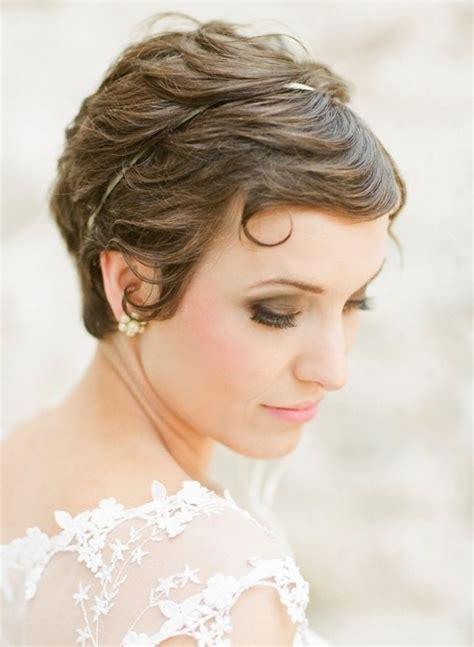 Stunning Short Wedding Hairstyles for Women - Pretty Designs