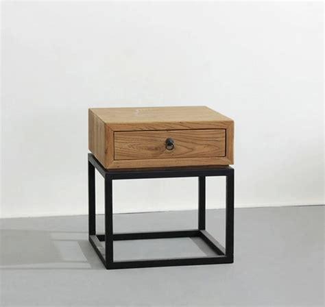 Table de chevet bois et fer - Design en image