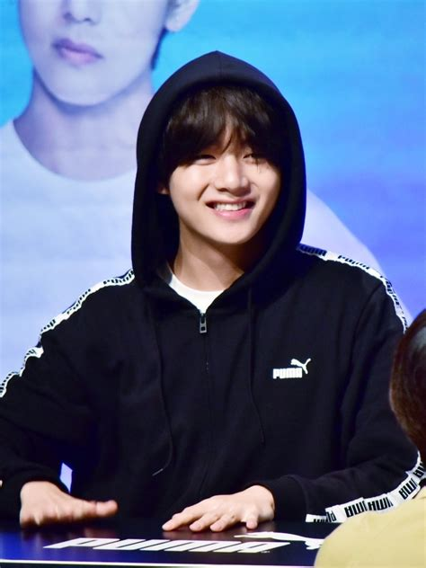 TAEHYUNG BASE on Twitter:  [HQ] 180408 PUMA FANSIGN #BTS ...