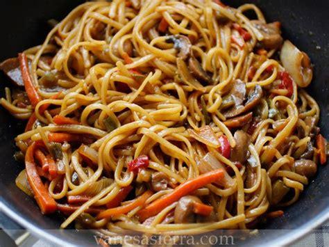 Tallarines con verdura. Receta china | Recetas de tenedor ...